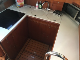 Interior shot of the training motor yacht used in the RYA Yachtmaster offshore motor fast track training course